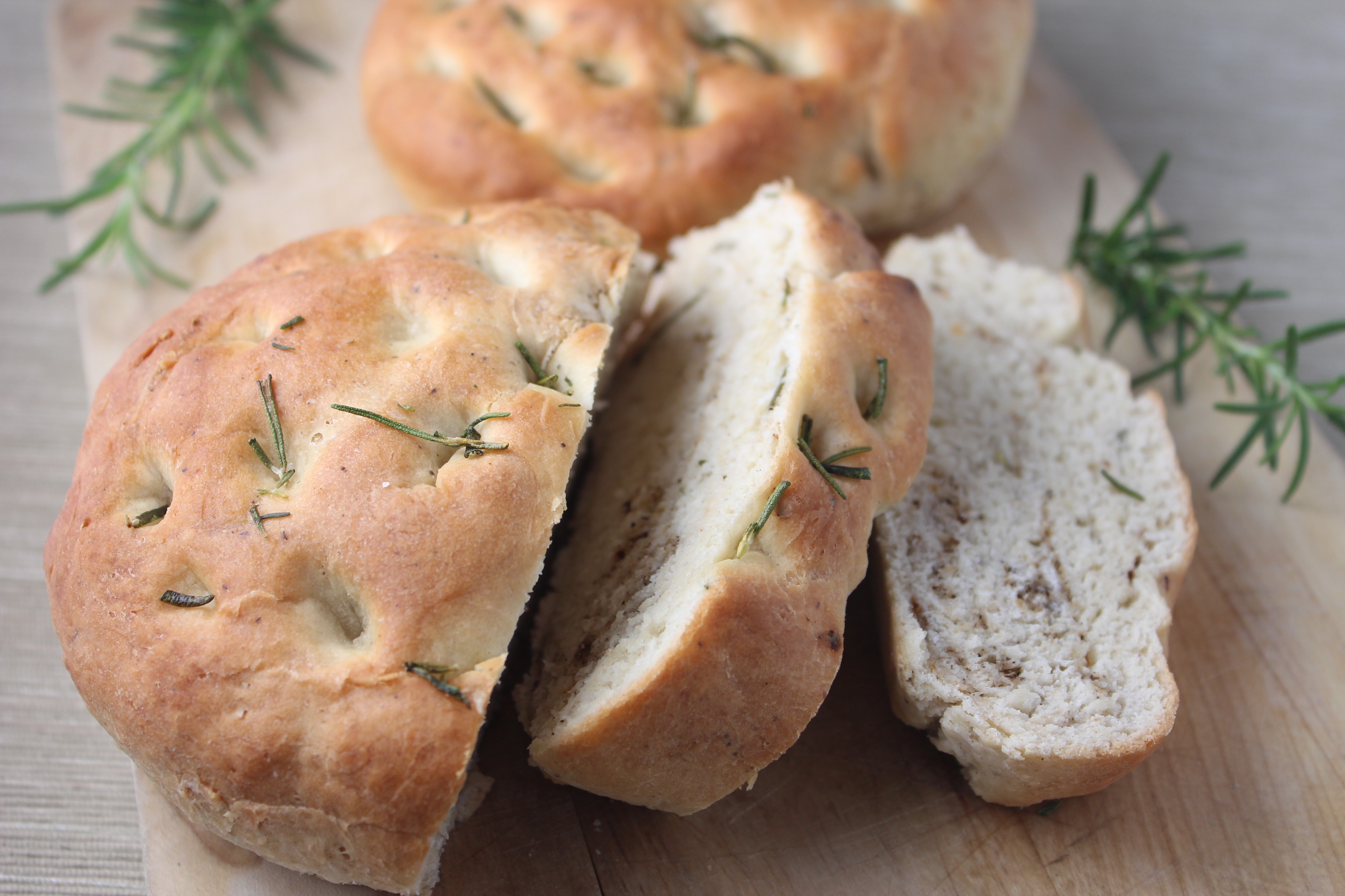 rosemary bread, focaccia bread, rosemary focaccia bread, easy bread recipe, simple focaccia bread recipe, recipes, homemade focaccia bread