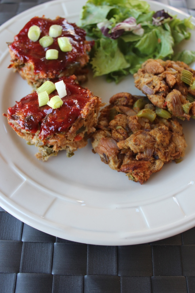 turkey, meatloaf, individual, mini meatloaves, healthy, quick, easy, food, recipes, thanksgiving, stuffing cakes