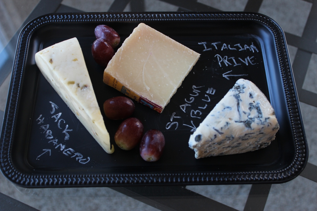 do it yourself, chalkboard, grapes, cheese, cheese plate, chalk, dollar tree silver trays, chalkboard spray paint, blue cheese, cheese board