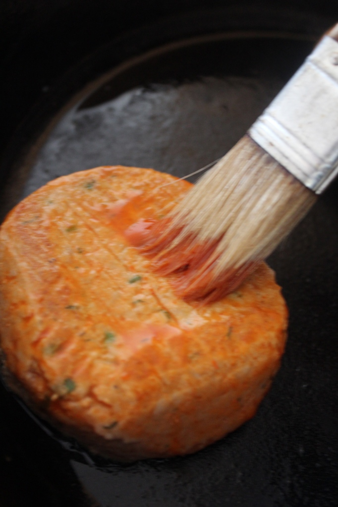 buffalo sauce, franks red hot buffalo sauce, salmon burger, recipe, ingredients, food, salmon