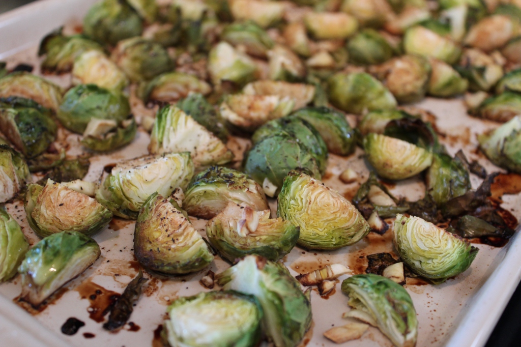 brussels sprouts, balsamic vinegar, olive oil, garlic, minced garlic, black pepper, kosher salt, recipe