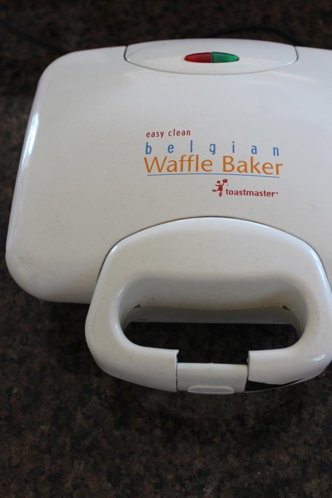 belgium waffles, belgium waffle maker, belgium waffle machine, waffle maker, easy clean waffle maker, toastmaster waffle baker