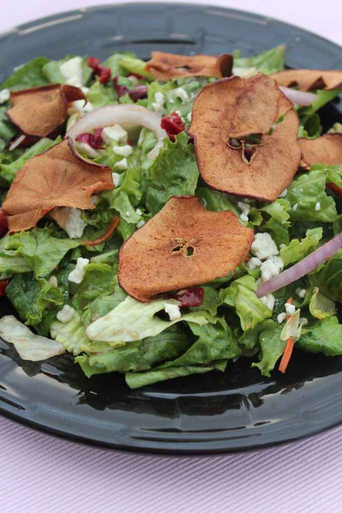 crisp apples, salad, balsamic vinaigrette dressing, recipe, gorgonzola cheese, fall salad