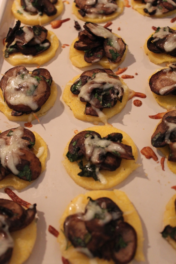 mushroom polenta cakes, polenta cakes, mushroom polenta appetizer, italian appetizer, recipes, food