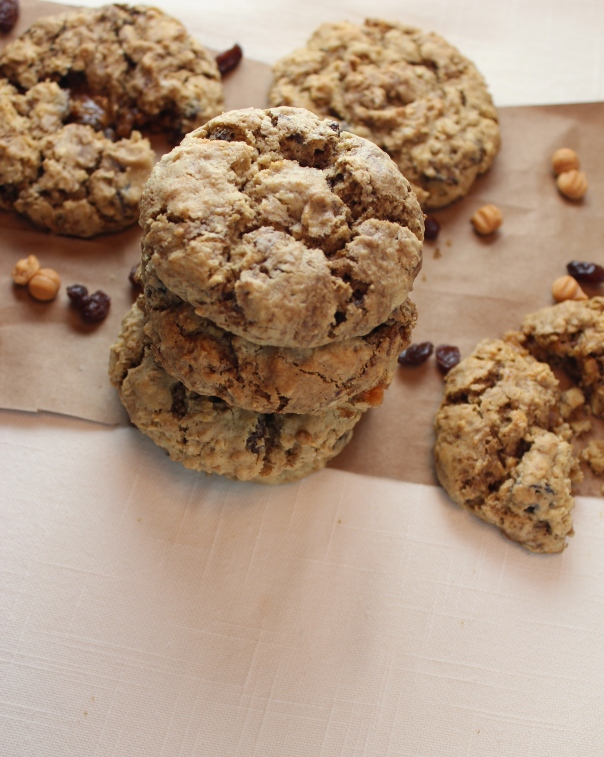 Oatmeal Raisin Coffee Cookie with Caramel Apple Filling